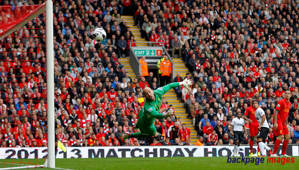 Football – Barclays Premier League 2012/2013 – Liverpool vs Manchester United